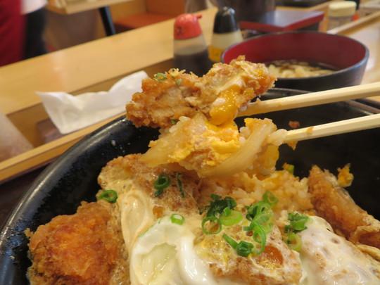 神戸・住吉 「なかよし」 安くてボリューム満点の大人気の定食屋で頂くかつ丼!