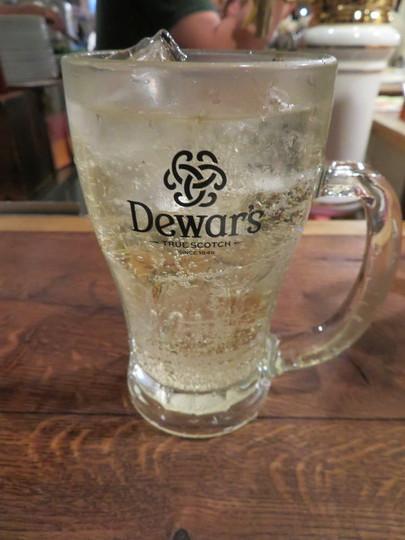 吹田・江坂 「サルベーコン」 スモークされたソーセージやベーコンをビールとハイボールで流し込む幸せ!