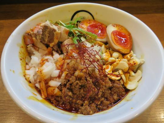 吹田・江坂 「麺創麺魂(めんそうめんたま)」 辛くて旨い濃厚な汁なし担々麺!