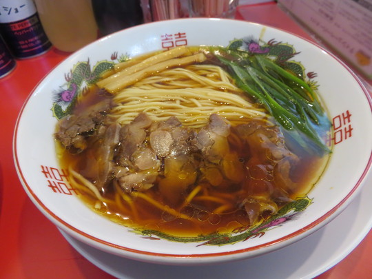 福島・野田阪神 「中華そば ふじい」 鶏の旨味が凝縮されたかしわそばと絶品のチャーハン!