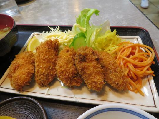 旭・新森 「淀ヤ食堂」 季節になりましたのでジューシーなカキフライ定食を頂きました!