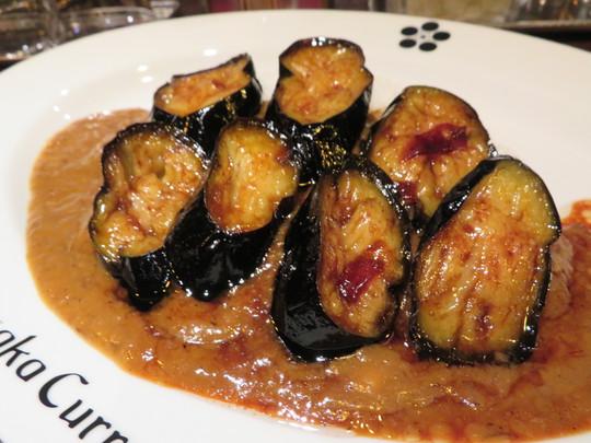 心斎橋・南船場 「Kusaka Curry(クサカカレー)」 揚げとろ茄子秘伝のタレ煮カレーの茄子がメチャクチャ旨い!