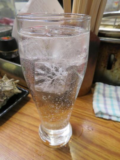 京橋 「岡室酒店直売所」 立ち呑み天国の京橋の中で不動の一番人気店!