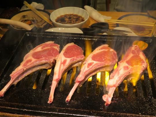 堺筋本町・備後町 「ラム肉家 MUU」 生ラム肉がクセ無くやわらかくてこれは旨い!