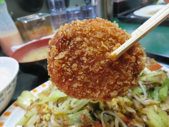本町・博労町 「とん平」 久し振りに大好きな肉入り野菜炒めを頂きました!