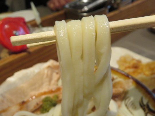 本町・久太郎町 「Udon Kyutaro(ウドン  キュータロウ)」 本町で味わえる本場讃岐うどんの味わい!