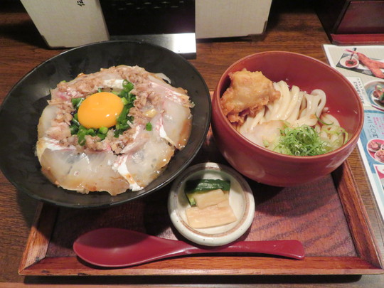 神戸・住吉 「伝統自家製麺 い蔵」 自家製ごまポン酢が効いた梅塩だれの炙り鯛丼!