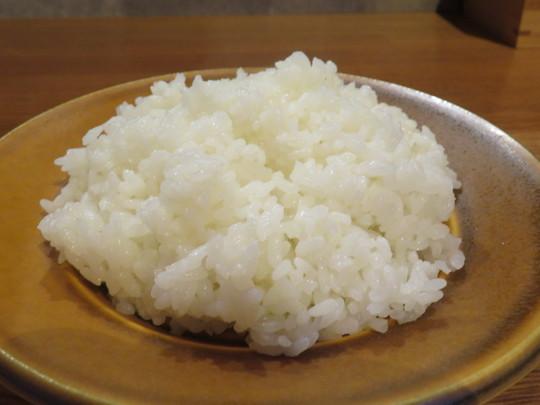 神戸・元町 「ビストロ オニバ(BISTRO On-y-Va)」 夜でも頂けるやわらかくてお値打ちの名物ビフカツ定食!