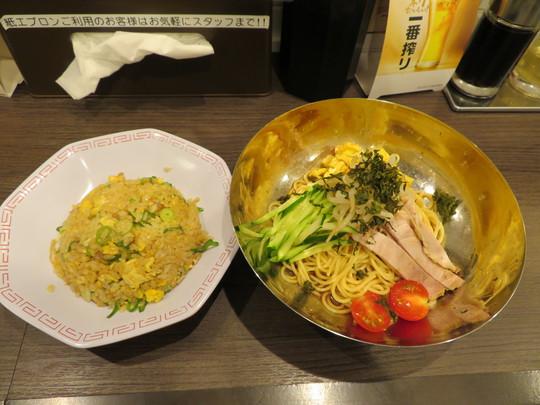 梅田・堂山 「麺毅家(めんきや)」 京都ラーメンの冷し麺とチャーハンセット!