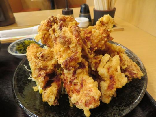 神戸・住吉 「なかよし」 コスパ全開のボリューミーな唐揚げ定食!