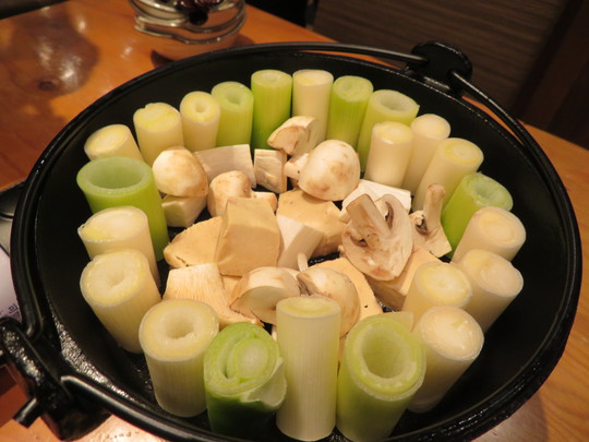 日本橋 「鶏樹(とりき)」 フォアグラ鍋の濃厚な旨味が広がります!