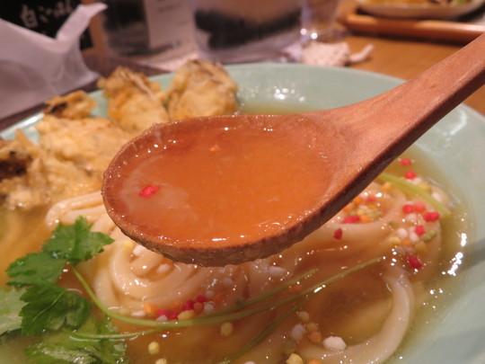 豊中・蛍池 「マルヨシ製麺所」 モチモチうどんの牡蠣天のみぞれあんかけうどん!