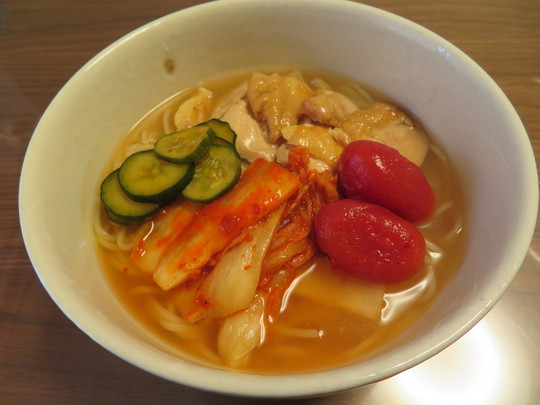生野・小路 「龍岡商店」 絶品キムチとYAMATOの鶏チャーシューが冷麺セットになりました!