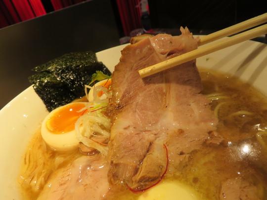 中津・豊崎 「貝と地鶏だしのらぁ麺 ちょろ」 特製塩らぁ麺に卵かけご飯!