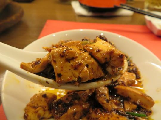 新大阪 「中国料理 璠房(ファンファン)」 移転されても名物麻婆豆腐が大人気の中華料理店!