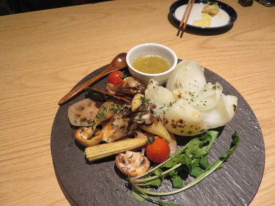 京田辺・松井山手 「KOKORO29(ココロニーキュー)」 名物KOKORO29盛りがボリューム満点の肉祭り!