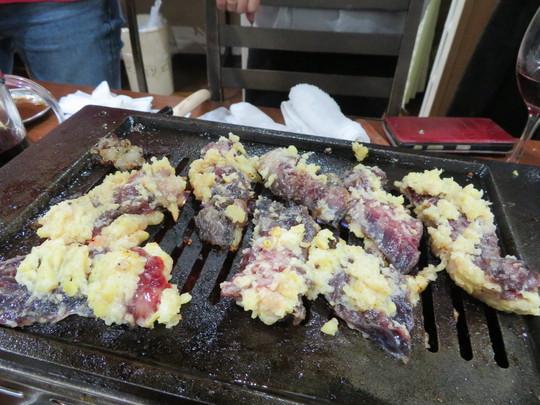 神戸・西元町 「肉のオカダ」 2階は網鉄板で高級和牛がリーズナブルに頂けます!!