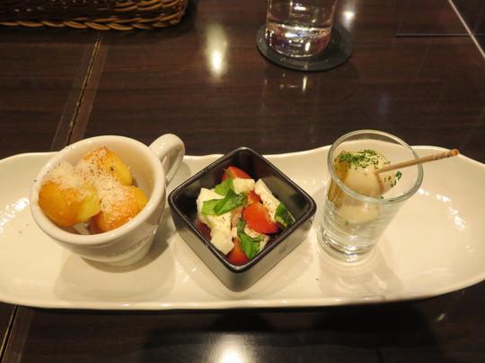 神戸・住吉 「ワイン食堂 Oyattosa! (オヤットサ!)」 クリーミーで酸味あるトマト入りカルボナーラ!