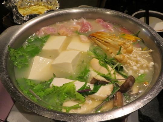 堺・深井 「和楽(わぐら)」 店内手作りの料理と人気の草鍋が楽しめます!
