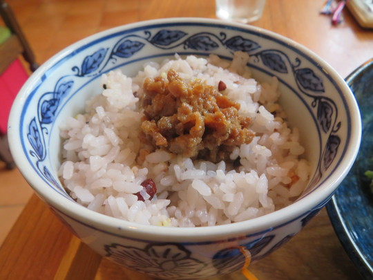 神戸・住吉 「イロドリカフェ」 体に優しい日替わりの人気のイロドリ定食!