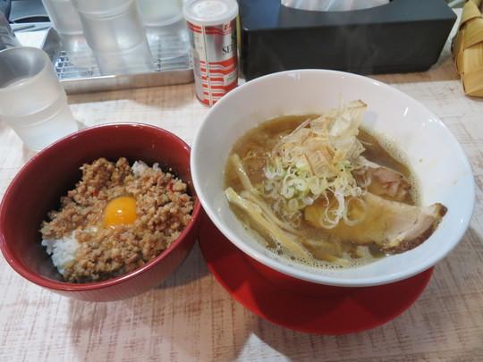 豊中・庄内 「らーめん雑魚 ZAKO」 激・煮干しらーめんと雑魚ver.のTKGが旨い!