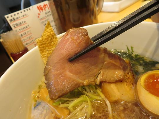 天満 「うまい麺には福来たる」 鯛出汁と湯浅醤油に背脂の鯛香る醤油らーめん!