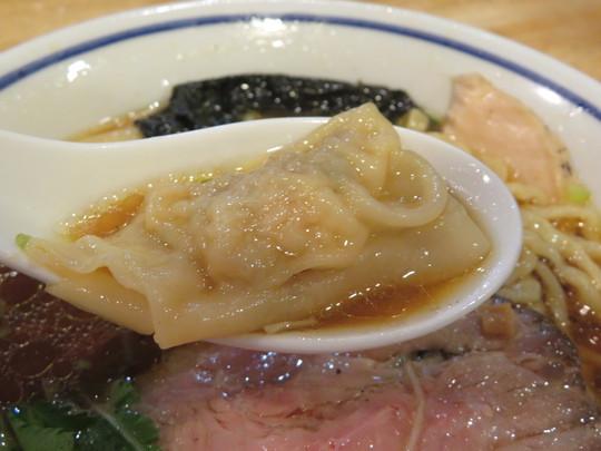 東京・亀有 「手打ち式超多加水麺 ののくら」 食べログラーメン全国第2位のモチモチ超多加水麺の特製醤油中華そば!