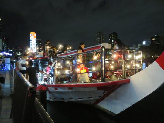天満橋・八軒家浜船着場 「ダイゴメシinクルージング」 クルーザーの上で夜景を楽しみながらダイゴメシを堪能しました!