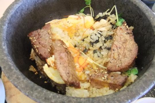 滋賀・信楽 「タラオカントリークラブ」 石焼ステーキ丼で元気