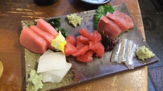 天満 「大安」 超人気の玉子サラダが絶品の立ち呑み!!!