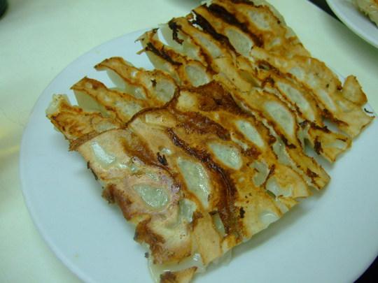 神戸・元町 「大学」 南京町でジューシーで旨い餃子が頂けます
