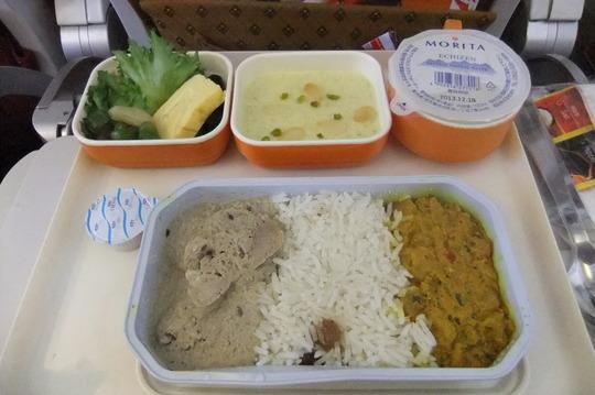 香港珍道中1 「エアーインディア」 スパイスが効いた機内食!