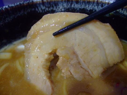 玉造 「ラーメン人生 JET600」 濃厚で深い味噌鶏煮込み