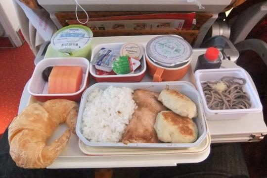 香港珍道中14 「エアーインディア帰国便」 機内食でW朝食を