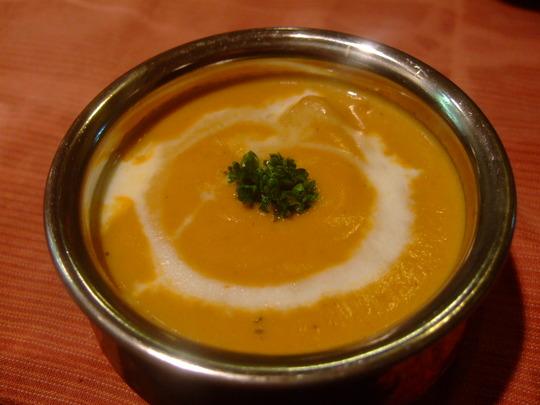 高槻 「プジャ」 家族で楽しめるネパール料理のお店です!!!