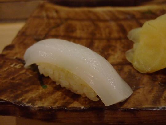 梅田・北新地 「鮨 廣見」 和食の技で割烹仕立てのコースを!