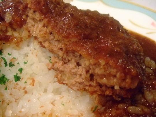 西天満 「キュイジーヌ」 洋食の老舗の王道な欧風カレーです!