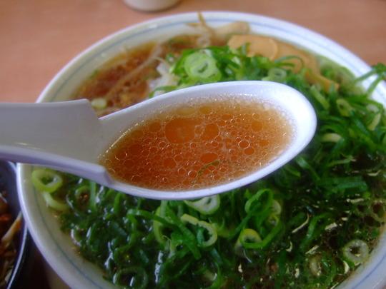 京都南インター 「たかばしラーメン」 あっさりした豚骨清湯!