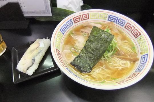 なんば 「中華そば ○丈」 秋刀魚の出汁が味わい深い逸品!!