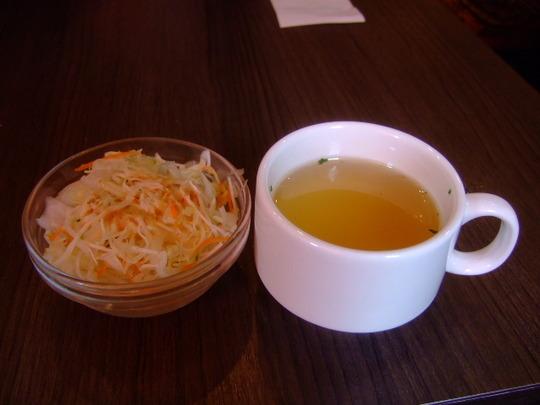 西中島 「ステーキハンバーグのタケル」 家族でお肉を堪能!!
