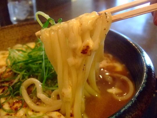 中津 「情熱うどん 讃州」 焼チーズカレーうどんは香ばし旨し