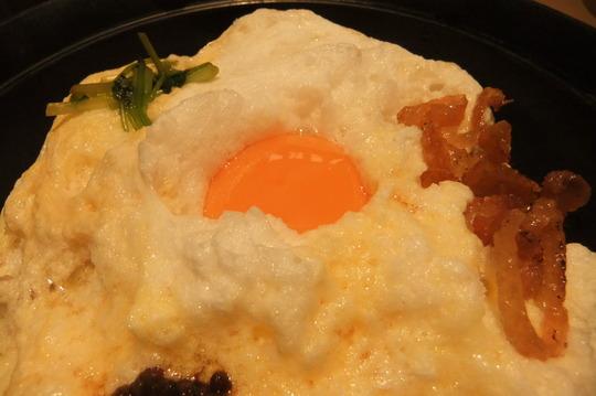 梅田・阪急百貨店 「吹上舎」 雪の桜島の親子丼がメッチャ旨い