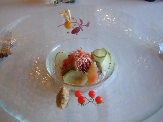 心斎橋 「モノリス」 デザイナーズレストランで優雅なフレンチ