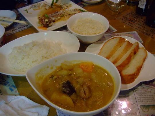 高槻 「すろまい」 カンボジア人シェフの本場のカンボジア料理
