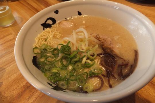 福島 「麺酒家 まんかい」 正統派博多豚骨らーめんのお店!