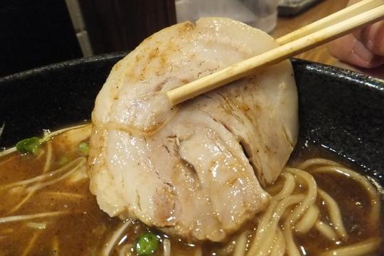 梅田・駅前第4ビル 「六兵衛」 玉五郎の挑戦!鰹ラーメン!
