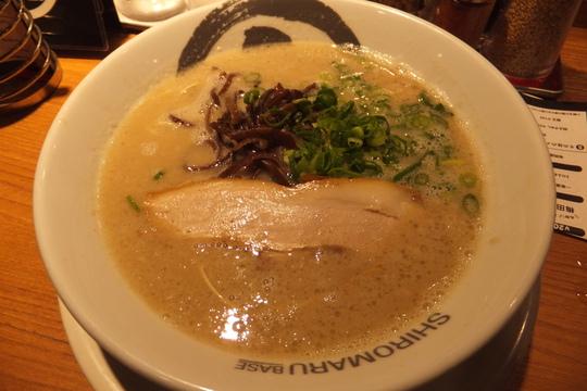 梅田 「シロマルベース」 一風堂のネクストブランド特濃スープ