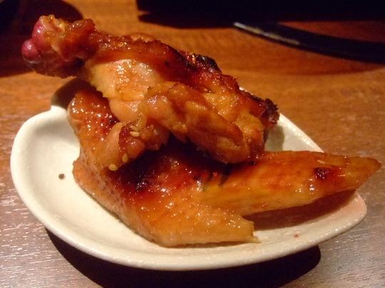 北浜 「軍鶏十番」 落ち着いた店内で頂く近江軍鶏の旨さに舌鼓