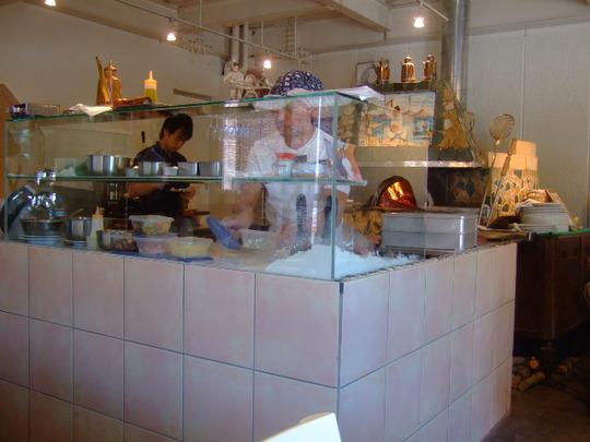 池田 「パンチャ・ピエーナ」ナポリからの窯で焼く絶品ピッツァ