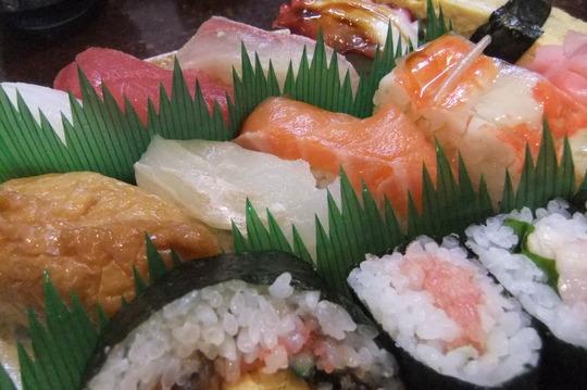 吹田・江坂 「あびる寿司」 ランチは超お得なにぎり寿司セット